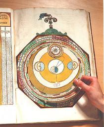 """APIANUS, """"Astronomicum Caesareum"""", 1540 (photographie de Laetitia Lorgeoux)."""