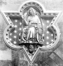 "Giovanni d'Ambrogio, ""Prudence"", (1386), Florence, Loggia dei Lanzi (source : WGA)."
