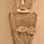 Représentation guerrière muisca portant deux têtes trophées dans les mains Photographie prise par Enora Gault au Musée de l'Or à Bogota (tous droits réservés).