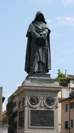 Statue de Giordano Bruno au Campo dei Fiori de Rome (source : Wikimedia Commons)