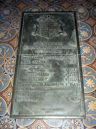 Tombe des rois de Navarre dans l'ancienne cathédrale de Lescar, où Marguerite est inhumée (source : wiki)