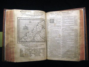 the Geneva Bible : double page avcec une carte géographique en illustration