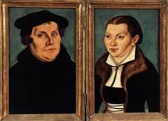 """Lucas CRANACH l'Ancien, """"Diptyque : Portraits de Martin Luther et sa femme Katharina von Bora"""", (1529), Hessisches Landesmuseum, Darmstadt (source : Web Gallery of Arts)."""