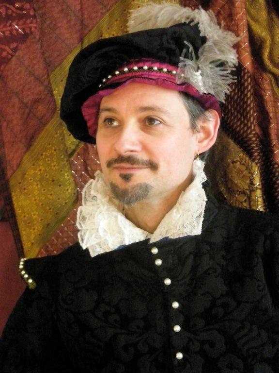 Thierry Péteau en costume Henri III