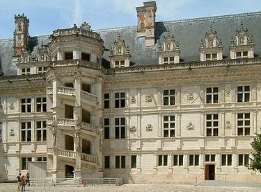 Château de Blois, escalier de François Ier.