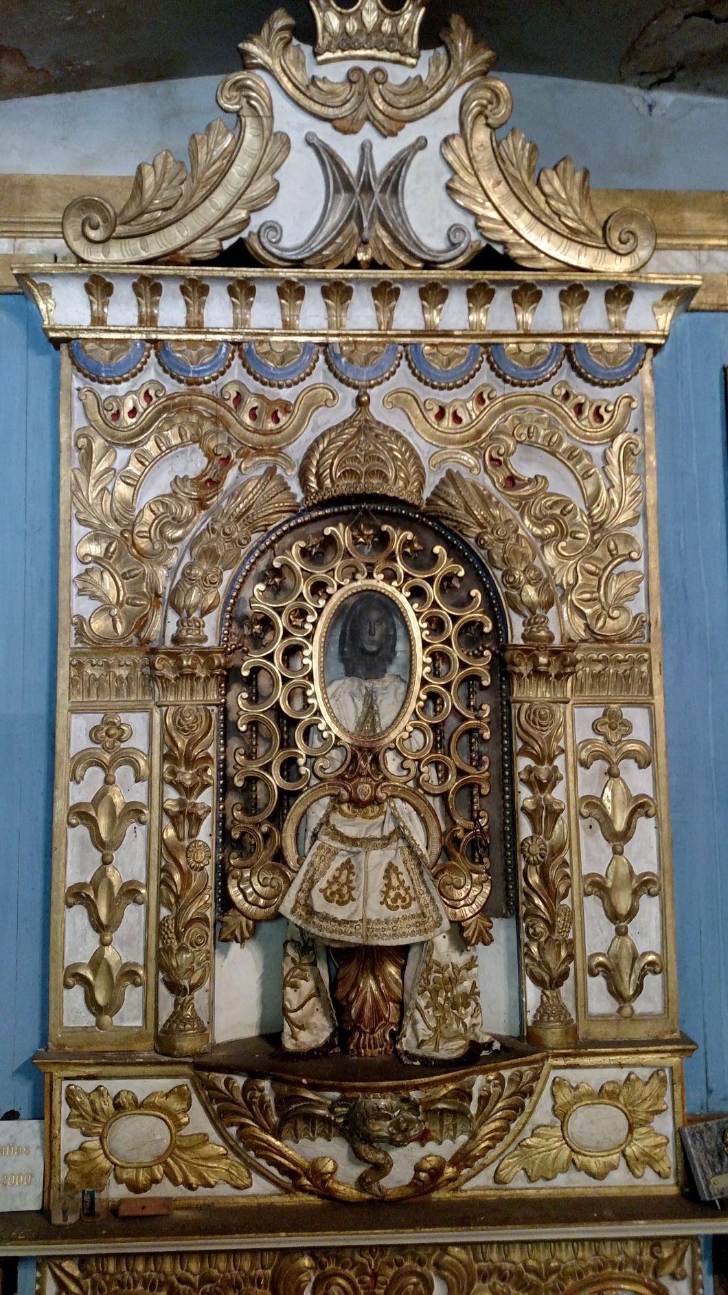Châsse avec la « Vierge Noire », église Notre-Dame-de-la-Pierre, Sarrance (photographie de Scott Francis).